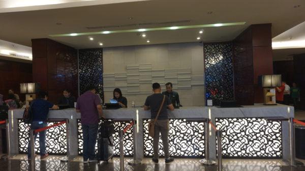 Resepsionis Hotel Aston Marina Ancol