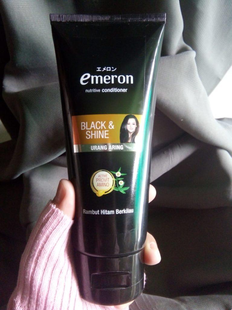 Emeron Black Shine Shampoo