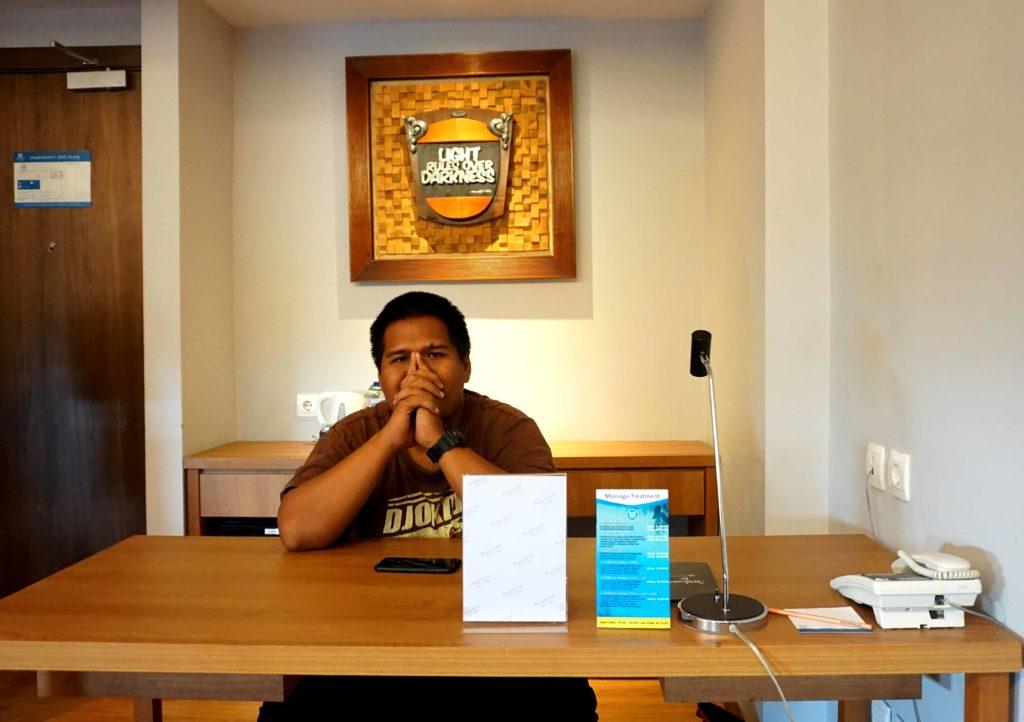 Ruang Kerja di Suites Room BATIQA Hotel Cirebon