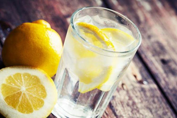 Lemon bisa digunakan untuk cara mengatasi stretch marks