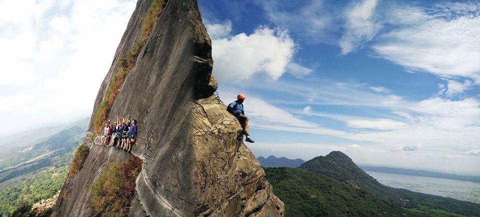 mendaki gunung parang jadi tantangan yang menarik untuk pendaki pemula